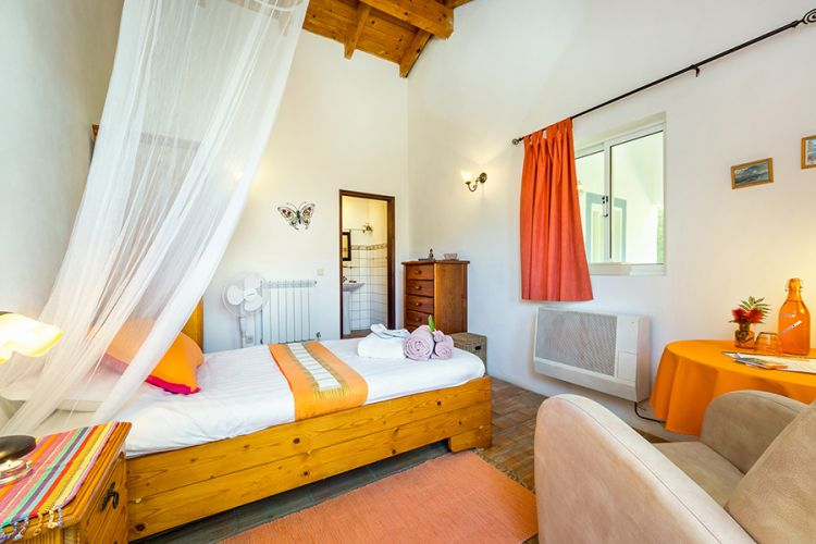 Moinhos Velhos detox fasting retreat/single room guest house
