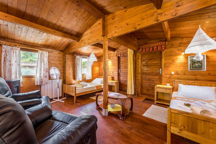 detox retreat cottage. Shared/single